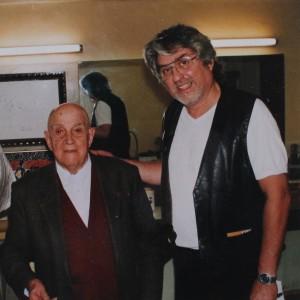 De Grati en compagnie d'Eugenio Arias, l'ami espagnol de Picasso. Ce dernier lui offrira… 5 toiles.
